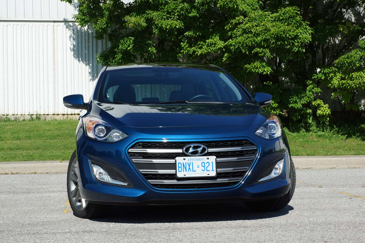 wheels limited hyundai car gt rear reviews ca elantra review